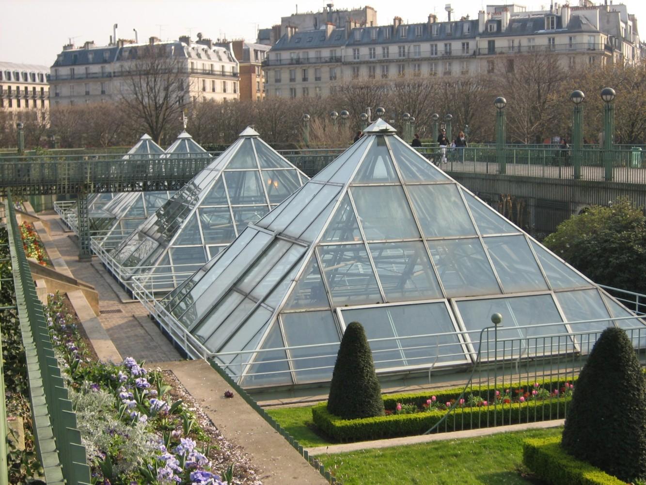 Теплица пирамида: создаем особое энергетическое поле для своих овощей