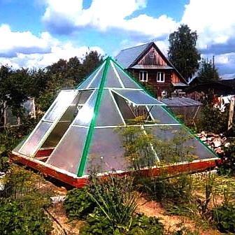 Как построить теплицу-пирамиду своими руками
