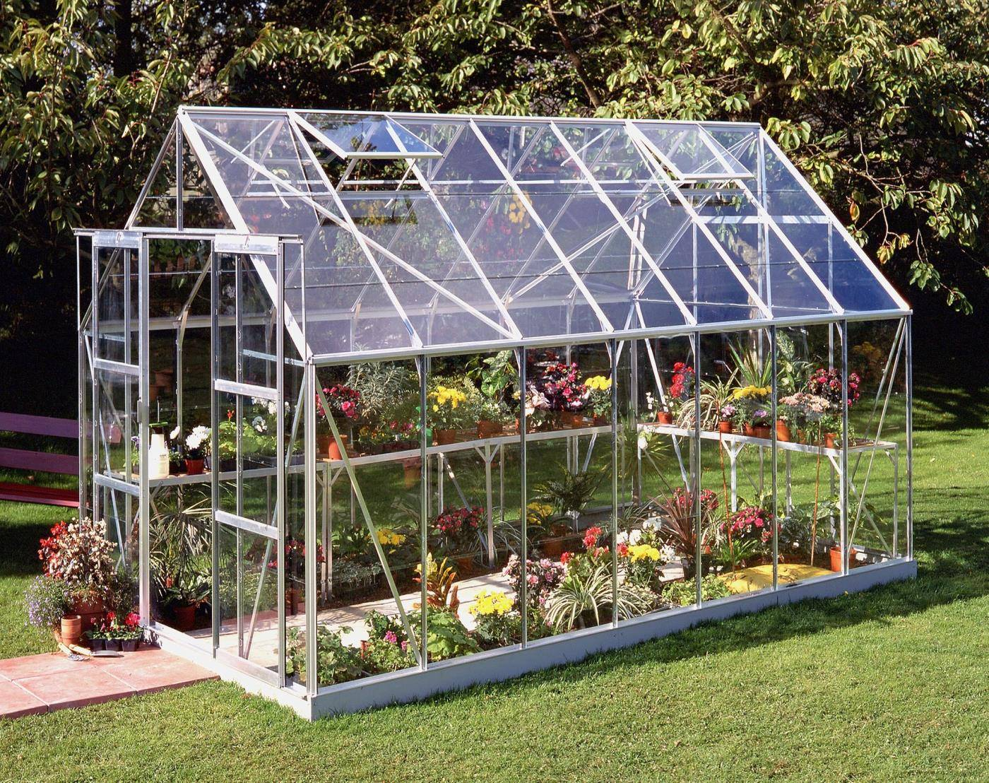 Делаем теплицу из стекла: пошаговое возведение различных стеклянных конструкций