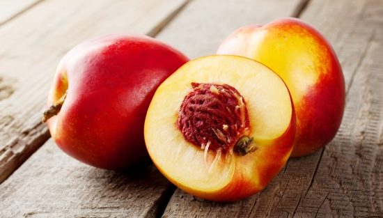 Плоды нектарина