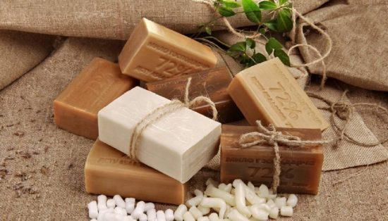 Набор хозяйственного мыла разных цветов