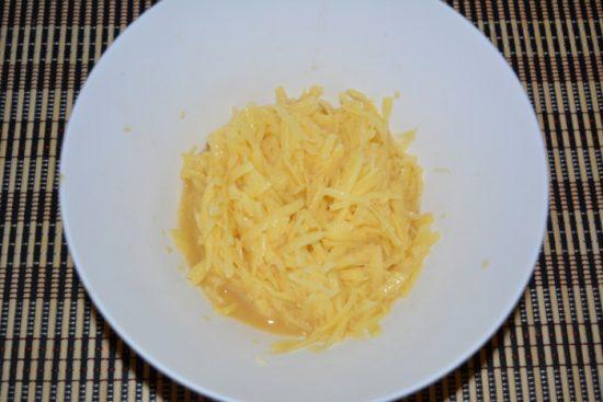 Картофель, перемешанный с яйцом