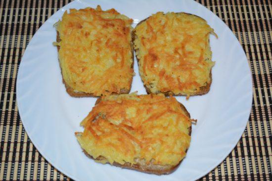 Готовые бутерброды с картофелем