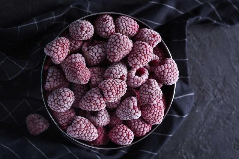 Сохраняем пользу: как правильно заморозить малину на зиму