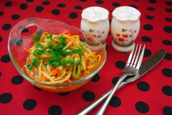 Тарелка с кабачками по-корейски
