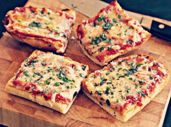 Пицца со сладким перцем и маслинами